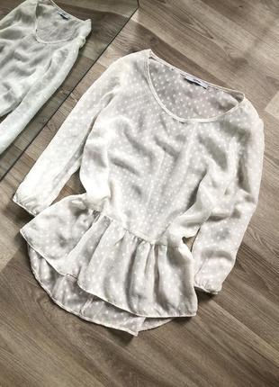 Легкая прозрачная блуза с рюшами в горох