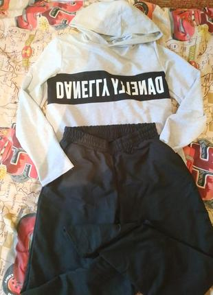 Спортивный костюм, толстовка+ штаны.размер м- л,бедра до 110 см