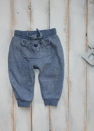 F&f  стильные спортивные штаны  на мальчика  6-9 мес