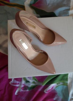 Модные туфли primark