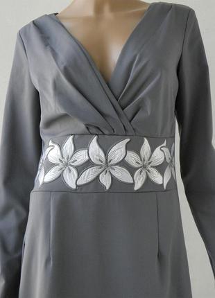 Очень красивое нарядное платье, 44евр (наш 50р.)