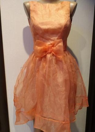Крутое стильное пышное коктейльное мини платье абрикосовое