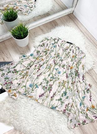 Блуза блузка с рюшами в цветочный принт с воланами с красивым рукавом