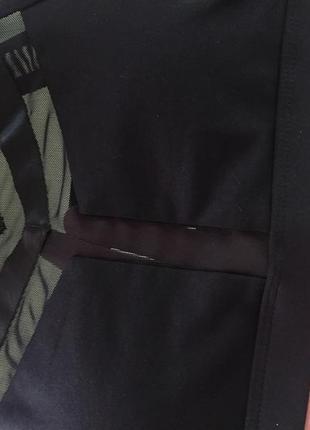 Черный топ-бра с пуш ап и сеточкой для занятий фитнесом и йогой7 фото