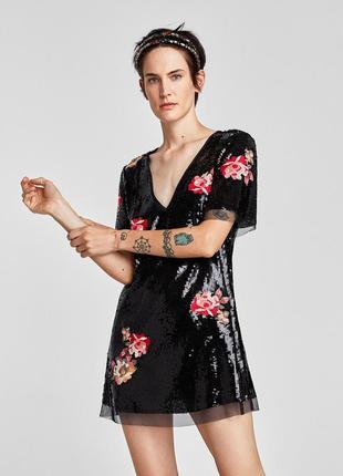 Мега красивое платье в паетки с вышивкой