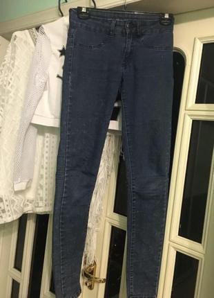 Крутые обтягивающие джинсы 👖