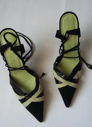 Туфли с завязками