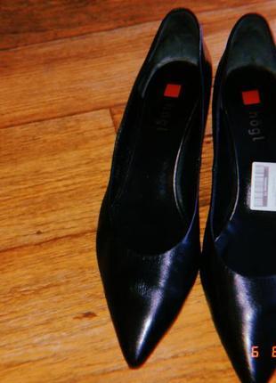 Черные  туфли лодочки