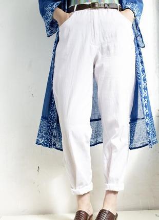 Белые тонкие джинсы летние
