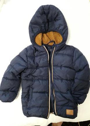 Демисезонная курточка next 3 года