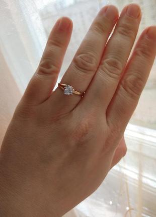 Очень красивое кольцо золото 585 пробы!
