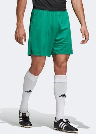 Легкие спортивные шорты adidas