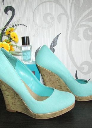 Шикарные бирюзлвые туфли