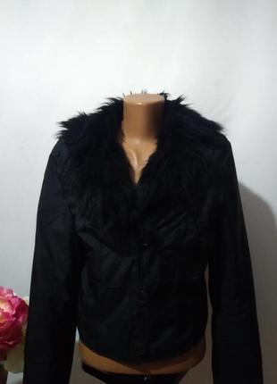 Короткая  деми куртка жакет с меховым воротником   oui