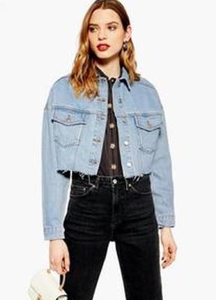 Курточка джинсовая очень крутая , рванка.джинсовка