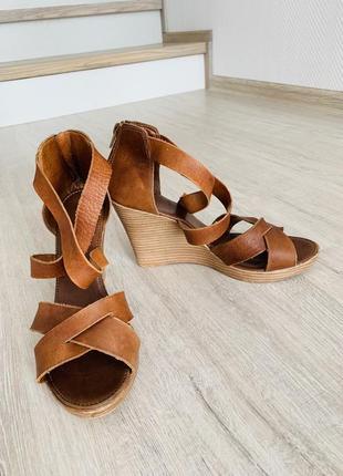 Элегантные туфли-лодочки от известного немецкого бренда peter kaiser
