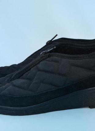 2538/140 закрытые текстильные туфли noname 39р