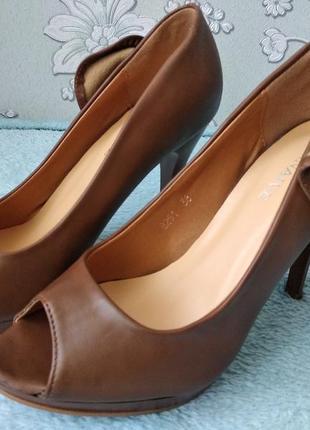 Женские туфли, нюанс