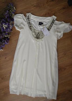 Легкое шифоновое воздушное платье  asos с открытыми плечиками.