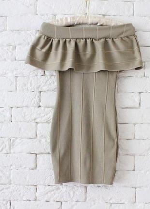 Оливковое платье в обтяжку