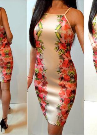 Стильное летнее платье в цветы