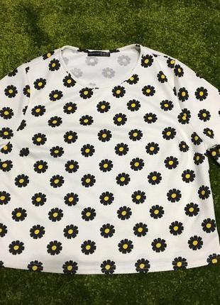 Нарядная блуза в ромашки большой размер р.16 наш p.52-54 отличное состояние