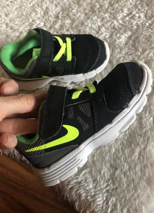Детские кроссовки nike на 1,5-2 года оригинал