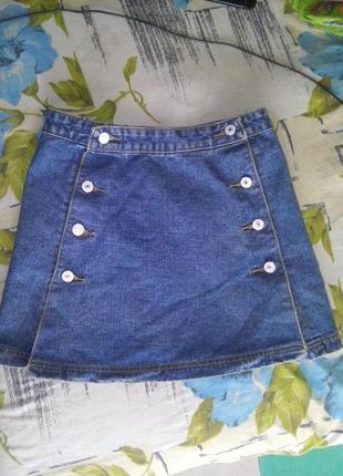 Джинсовая юбка трапеция на пуговицах
