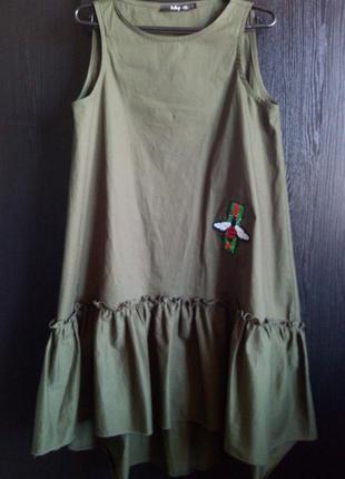 Платье с пчелкой цвет хаки