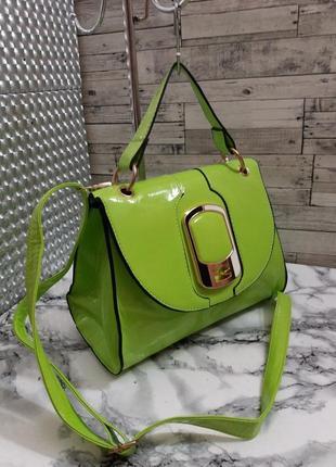 Оригинальная, очень яркая летняя сумочка.