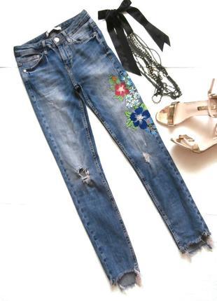Изумительные джинсы zara с вышивкой