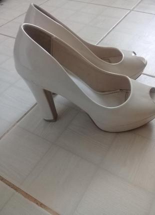 Дуже класні и зручні туфлі