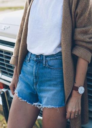 Женские короткие шорты с испании от fishbone . модный бренд.  высокая посадка. размер м.
