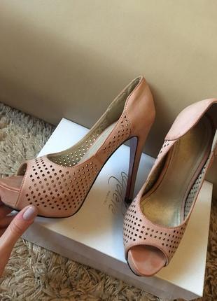 Туфли ніжно розові