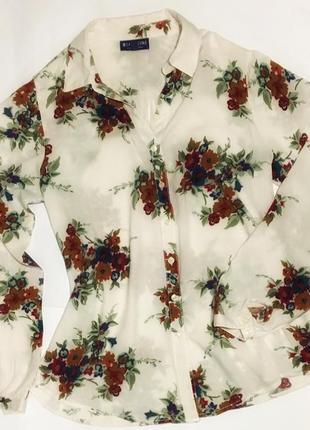 Рубашка , блуза в цветочный принт