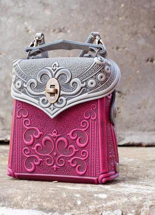 Сумочка-рюкзак кожаная женская летняя яркая с орнаментом