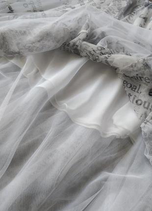 Трендова спідниця в стилі діор і обруч з газетним принтом6 фото