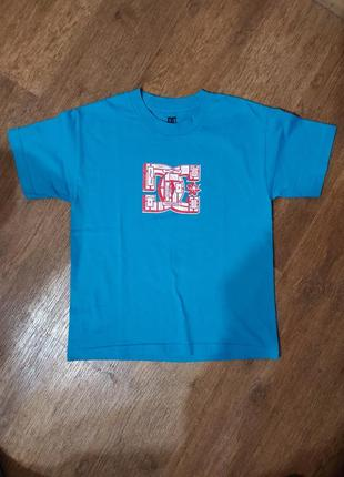 Яркая футболка свободного кроя крутой бренд