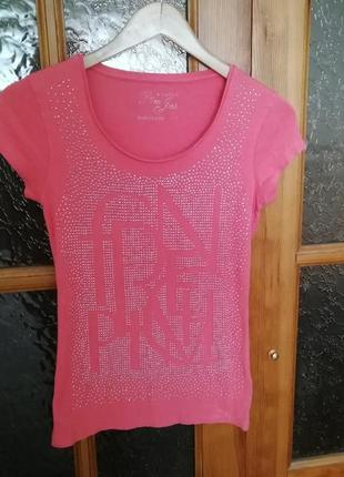 Стильная футболка коралл
