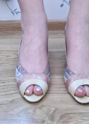 Туфли на устойчивом каблуке2 фото