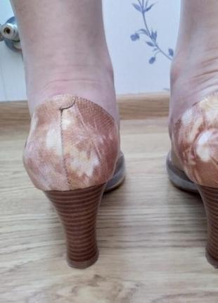 Туфли на устойчивом каблуке3 фото