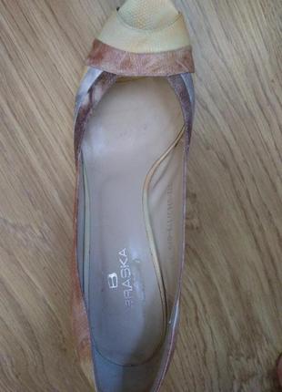 Туфли на устойчивом каблуке4 фото
