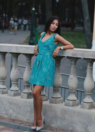 Нереально красиве плаття stradivarius із відкритою спинкою