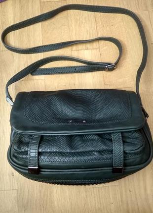 Красивая кожаная сумка кросс боди minelli (италия)