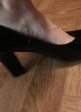 Новые лаковые туфли, натуральная кожа