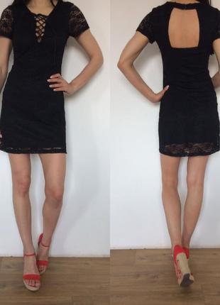 Летнее кружевное платье на шнуровке