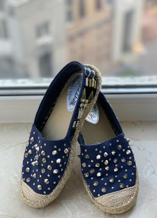 Туфли эспадрильи attizzare синие с заклёпками шипами и бисером