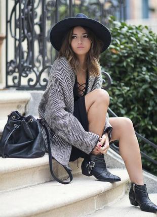Чёрное базовое платье со шнуровкой live wild by coolcat