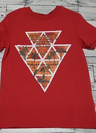 Яркая футболка бемби р.134