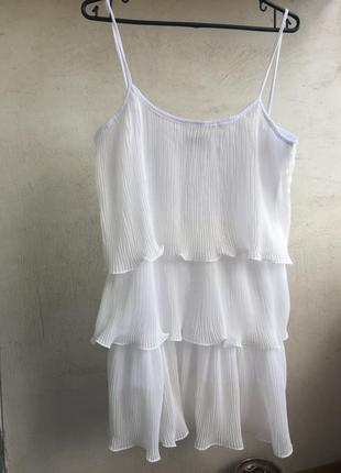 Платье белое плиссе